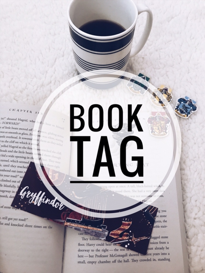 The Ultimate Book Tag: 25 Bookish Questions